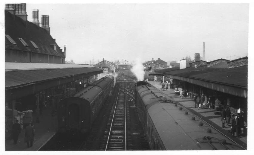 Hereford Station from footbridge 1964